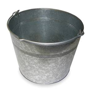 five gallon bucket for egg washing